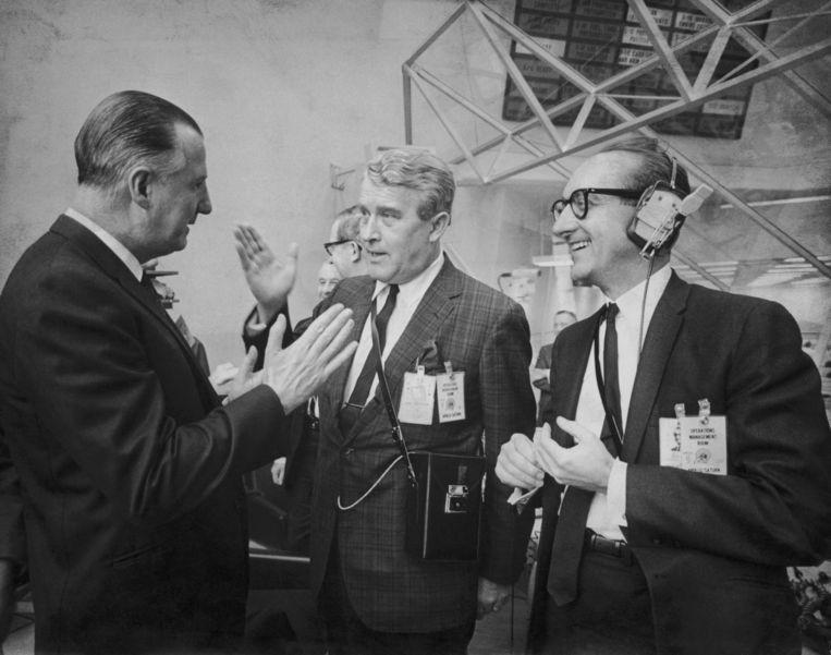 Kennedy Space Center, Florida, 3 maart 1969: Spiro Agnew (l) in gesprek met raketwetenschapper Wernher von Braun en NASA-baas George Mueller, vlak voor de lancering van de Apollo 9. Beeld Getty Images