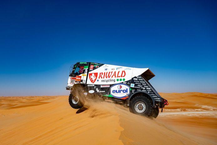 De hybride Renault-truck van het Riwald Dakar Team, met Gert Huzink achter het stuur, eerder in actie tijdens de Dakar Rally.