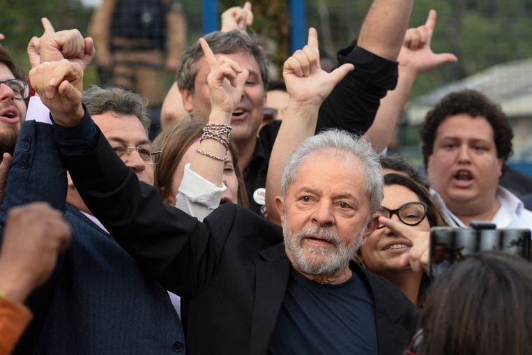Luiz Inacio Lula da Silva, koosnaam Lula, in Curitiba, Brazilië, na zijn vrijlating in 2019. Beeld AFP