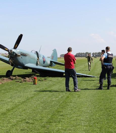 Historisch vliegtuigje loopt schade op bij landing op Midden-Zeeland
