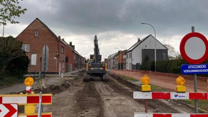 Gigantische bom bleef onder de radar in Rieme, dus graaft gemeente Evergem eerst bodem af en gaat dan met metaaldetector op zoek naar springtuigen
