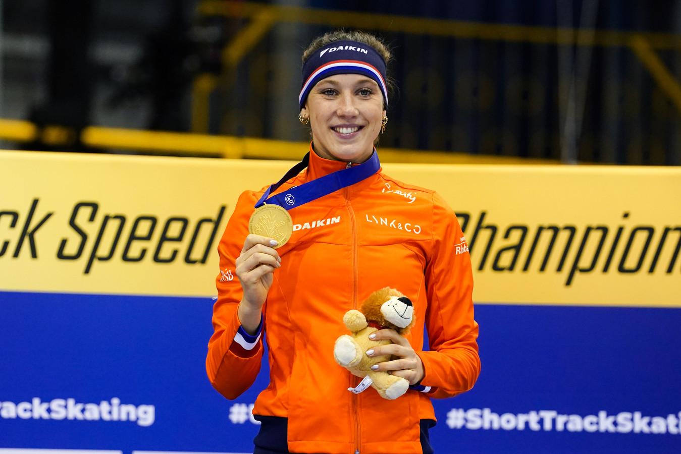 Suzanne Schulting was zaterdag al de beste op de 1500 en 500 meter.