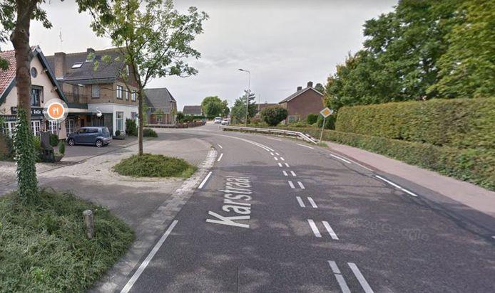 De noordelijke bocht van de Karstraat, nabij De Gulle Goedzak.