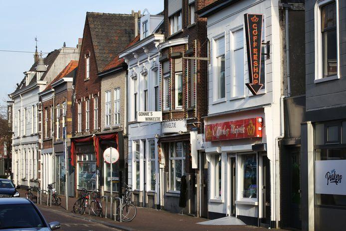 Boschstraat met onder meer Gonnie's Winkeltje, Coffeeshop Majestic en Peakers.