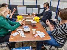 Massa-vaccinatie in Oosterhout: slechts één persoon valt flauw, en dat is vanwege het prikken zelf