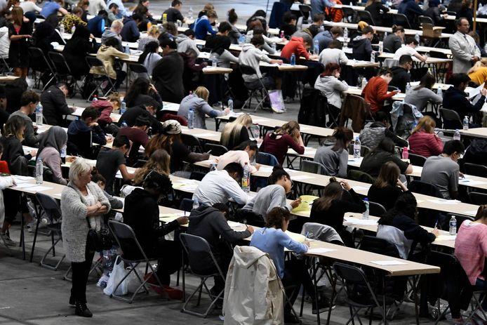 Des milliers d'étudiants ont passé l'examen d'entrée aux études de médecine, avec un taux de réussite particulièrement faible (archives).