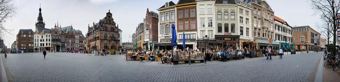Panoramafoto van de Grote Markt in Nijmegen.