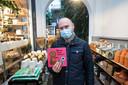 Timmy Czekaj (41) ging naar 'Dille & Kamille' in Hasselt om een voorleesboekje voor zijn nichtje te kopen als cadeau voor de feestdagen.