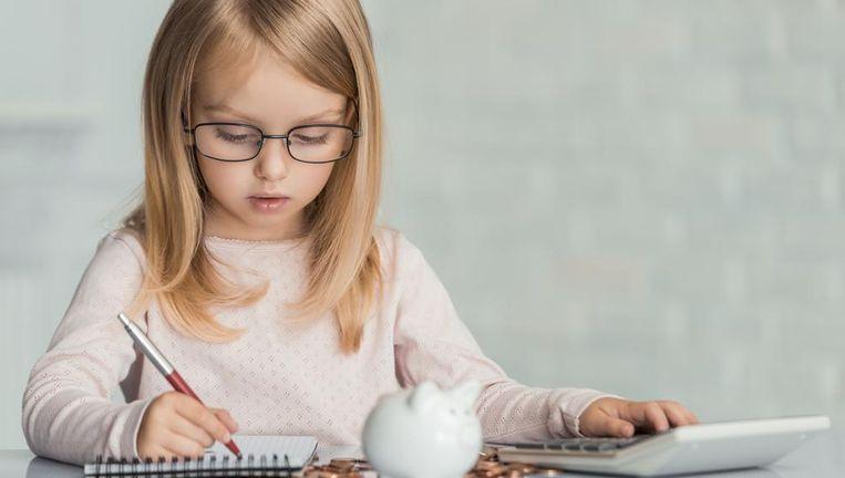 Kinderen mogen zelfstandig een eigen spaarrekening openen. Beeld Shutterstock