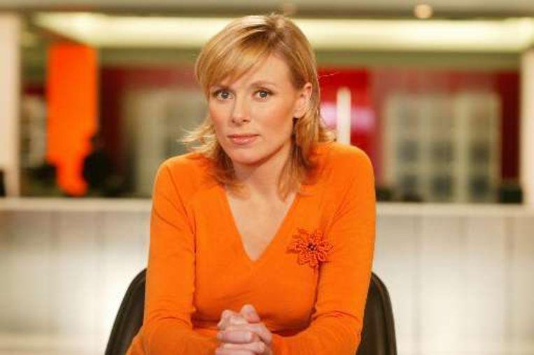 Het Nieuws Laat maakt plaats voor een compleet nieuw programma: Vandaag. Het vaste gezicht wordt nieuwsanker Cathérine Moerkerke, die zal plaatsnemen in een halfronde sofa in het midden van de redactie. (Foto VTM) Beeld UNKNOWN