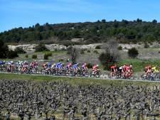 Eerste UCI-koers na coronastop eindigt zonder winnaar na val motorrijder