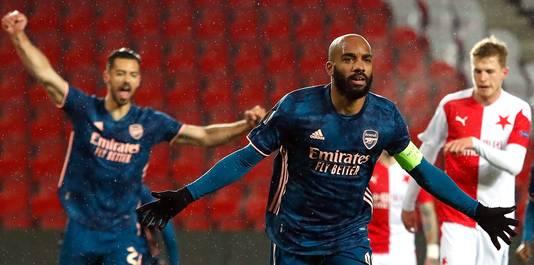 Alexandre Lacazette maakte twee goals voor Arsenal.