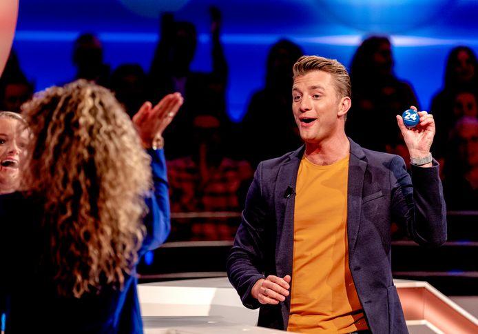 Presentator Jan Versteegh van Lingo.