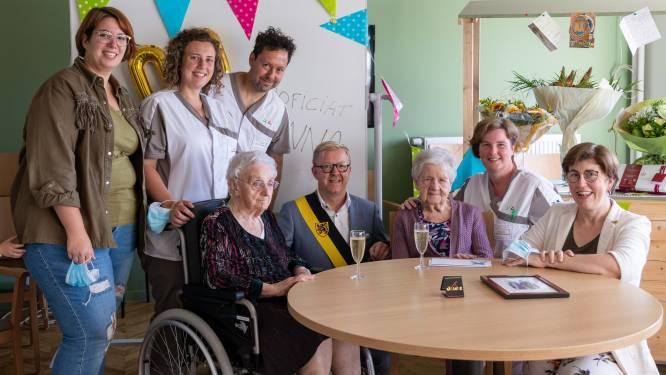Anna en Anna vieren allebei 100ste verjaardag in Residentie Stuivenberg