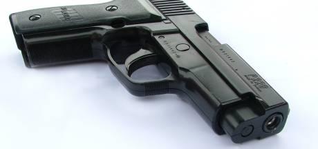 Automobilist met vermoedelijk vuurwapen rijdt onder invloed van drugs door Sprang-Capelle