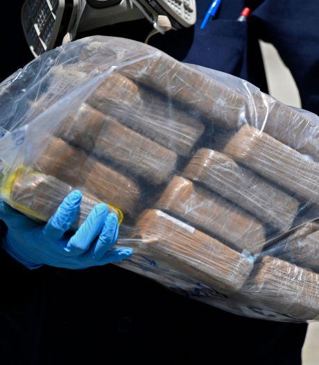 Plus de deux tonnes de cocaïne saisies au large de l'Angleterre