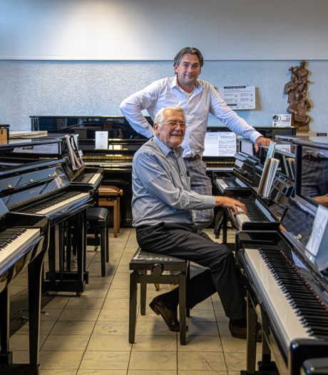 De klanten van De Graaf Muziek gaan mee met de nieuwe generaties in het bedrijf: 'Mijn opa kocht bij jouw opa, mijn vader bij jouw vader. Dus ik bij jou'
