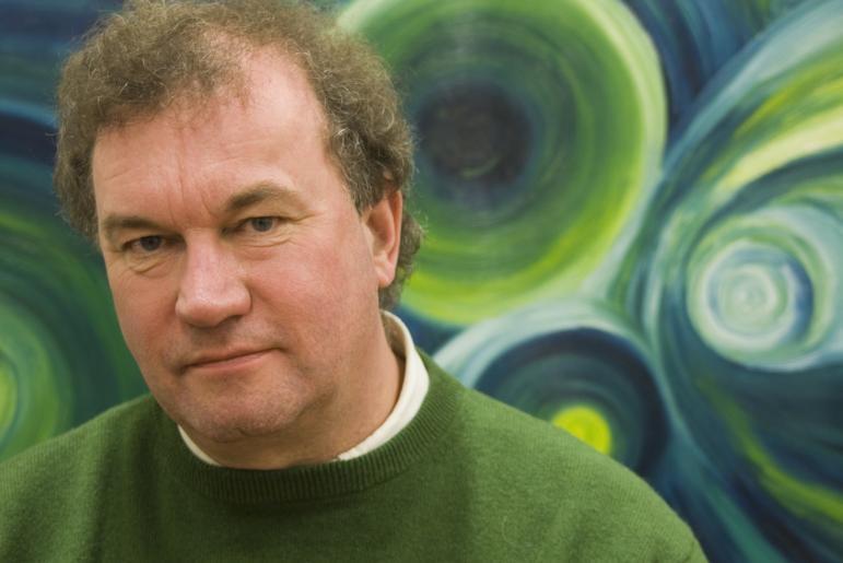 "Hoogleraar stromingsleer GertJan van Heijst: ""Wat gebeurt er wanneer twee waves elkaar tegenkomen? Overleven die twee golven hun botsing?"""