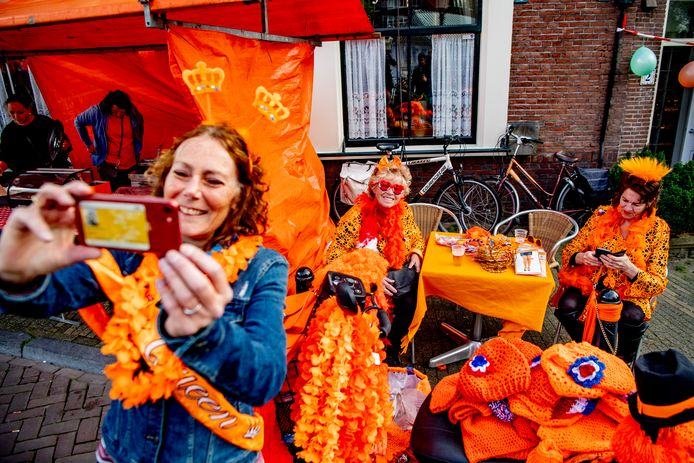 Koningsdag in Utrecht in 2019, toen dat nog wél fysiek kon worden gevierd.