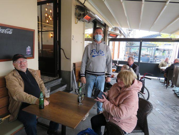 Gerdi Vermeulen nam met een klein hartje afscheid van z'n tijdelijke job in AD Delhaize, maar is blij dat In den Trap weer open is.