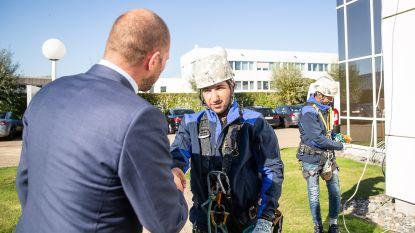 """Francken: """"Veel vluchtelingen wachten op een job. Extra economische migratie? Slecht idee"""""""