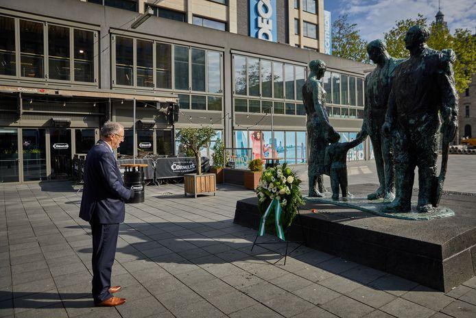 Dodenherdenking in 2020 op een leeg Stadhuisplein.