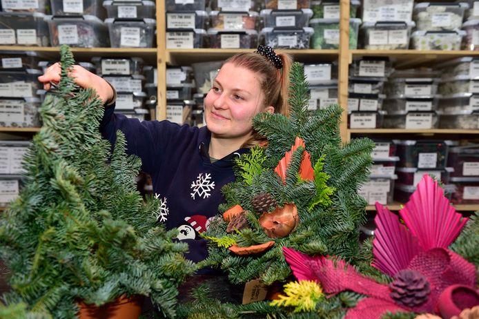 Poolse wernemers van Van Lint staan voor een lastige keuze: thuis kerst vieren en dan twee keer in quarantaine moeten of de kerst in Nederland doorbrengen. Aneta Jagielska besloot naar huis te gaan.
