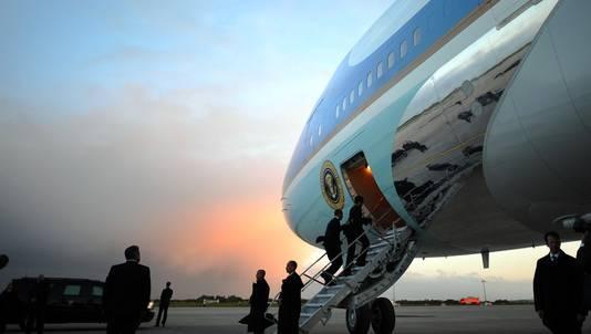 De Amerikaanse president Barack Obama verliet Ierland een dag vroeger dan gepland uit schrik voor de aswolk.