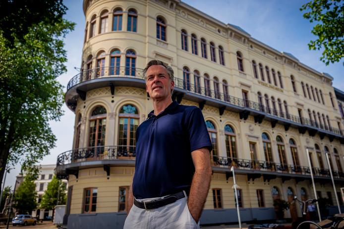 Directeur Stijn Schoonderwoerd voor het verbouwde Wereldmuseum.