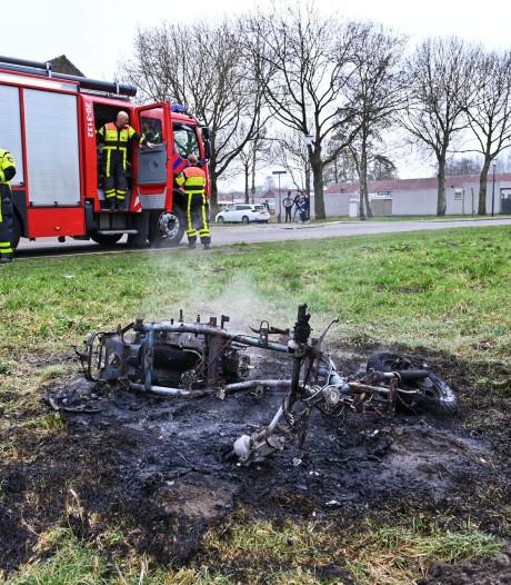 Scooter in brand gestoken in Breda