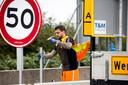 De maximumsnelheid op de Haringvlietbrug wordt teruggebracht naar 50 km per uur.