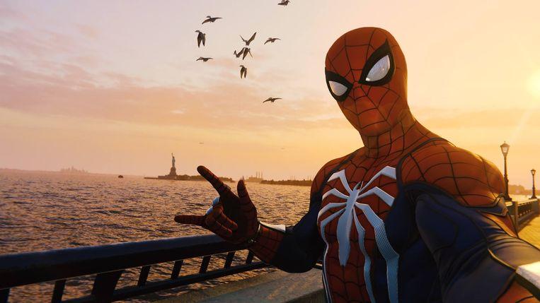 Zelfgemaakt 'Photo Mode'-beeld waarin we Spider-Man de toerist lieten uithangen in een uithoek van Manhattan (in dit geval: Battery Park). Beeld Sony PlayStation / RV
