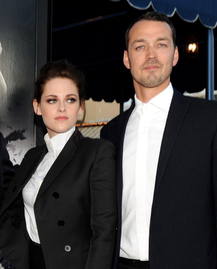 Kristen Stewart en Rupert Sanders op de première van 'Snow White and the Huntsman'. Beeld GETTY