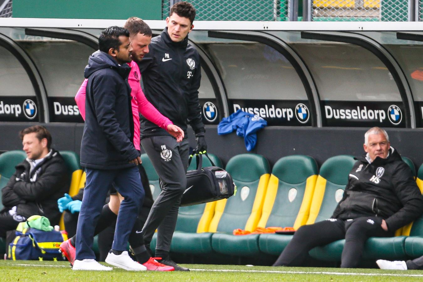 Bart Ramselaar ontbreekt namens FC Utrecht tegen Ajax, niet vanwege de naweeën van de hersenschudding die hij tegen ADO Den Haag opliep, maar door nieuwe klachten.