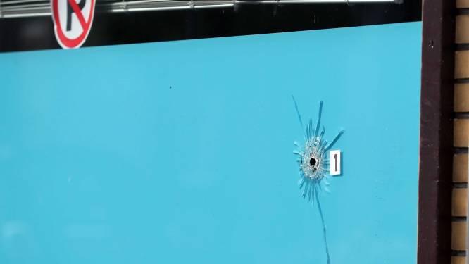 Ook tweede agent weer thuis na kogelregen in De La Reystraat