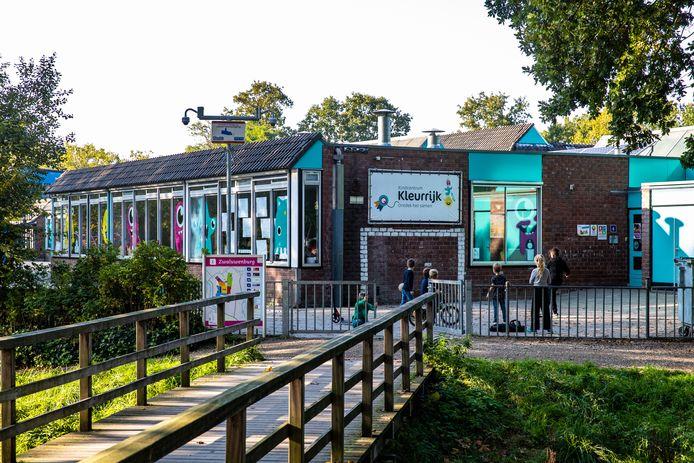 Kindcentrum Kleurrijk aan de Zwaluwenburg op Colmschate is één van de scholen  in Deventer die nieuwe huisvesting krijgt.