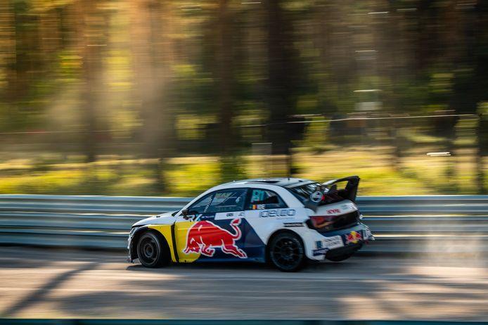 Enzo Ide in het WK rallycross in Letland.