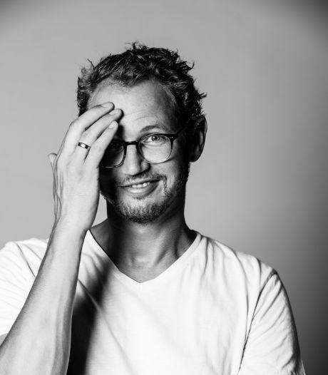 Het coronavirus kreeg cabaretier Johan Goossens te pakken, nu wil hij weer optreden