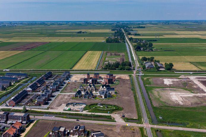 Het noordelijkste randje van de Zwolse nieuwbouwwijk Stadshagen. Als het aan het Economisch Instituut voor de Bouw ligt kunnen er in de weilanden verderop nog circa 35.000 woningen gebouwd worden. Dat is een stad ter grootte van Lelystad.