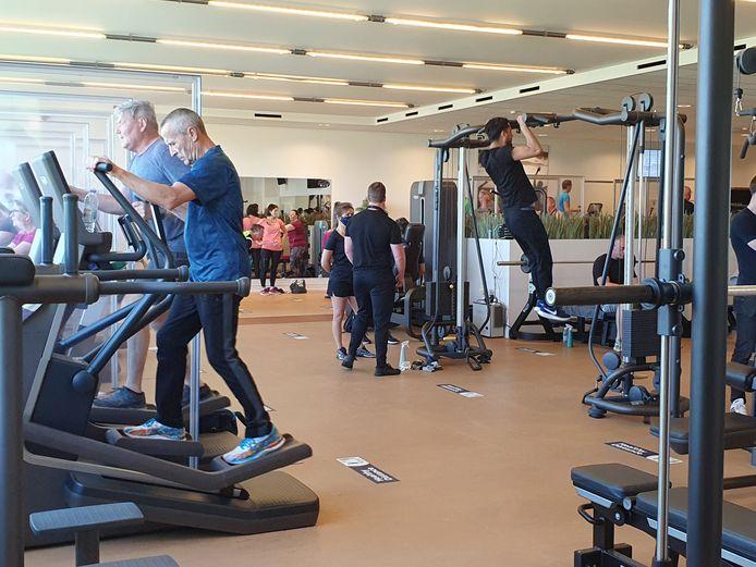 Een week voor de binnensporten weer mogen, organiseerde Sportoase in Hoogstraten een testevent in samenwerking met de ministers van Sport.