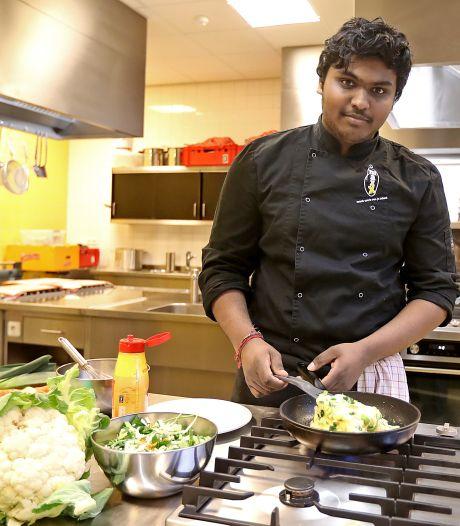 Gevluchte Pravinath begint eigen zaak in Borculo: met sushi en.. ijs! 'Klinkt vreemd, maar gaat goed samen'
