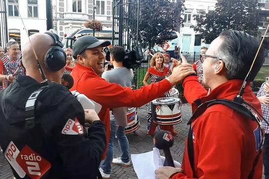 Feest in Roosendaal na de bekendmaking van het aantal bellen tijdens collecteweek van NPO Radio 2 voor KWF