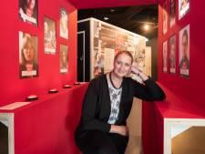 Wereldberoemd plastic kannetje pronkt in Zoetermeers museum