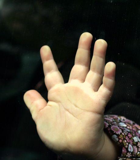 Oppas verdacht van misbruik zeven zeer jonge meisjes: 'Een schokkende zaak'