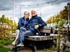 Geen Portugal, maar een reis door de Hoeksche Waard voor Arnold en Corry: 'We hebben al veel van het eiland ontdekt'