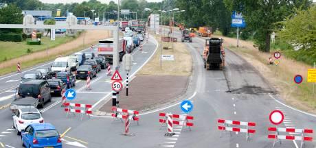 Politie Almelo: 'strenge controles bij afgesloten Weezebeeksingel'