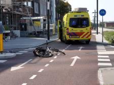 Fietser zwaargewond naar ziekenhuis na ongeluk in Enschede