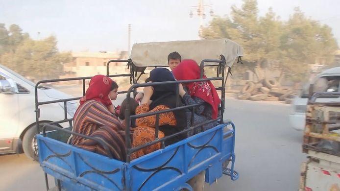 Inwoners Noord-Syrië op de vlucht na luchtaanvallen Turkije