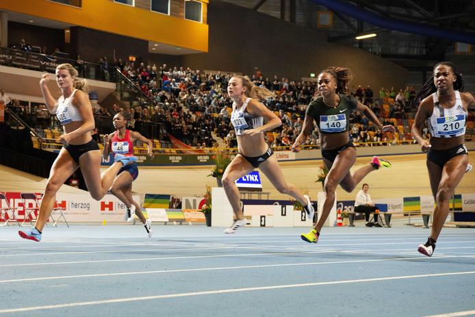 Omnisport was afgelopen februari nog plaats van handeling voor het NK atletiek indoor. Dafne Schippers (links) won de 60 meter sprint.