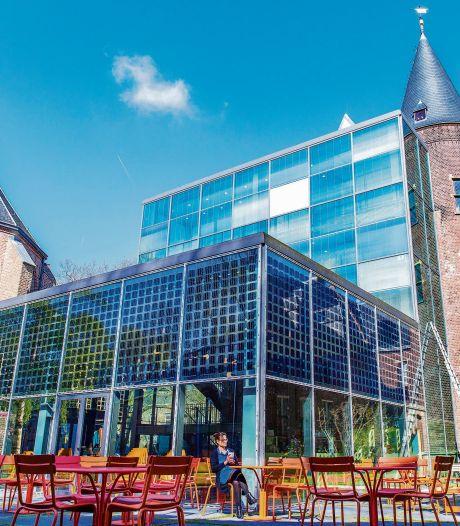 Niet alleen in, maar ook rondóm alle Utrechtse musea mag vanaf nu niet meer worden gerookt
